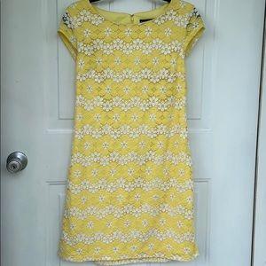 MADISON LEIGH YELLOW DAISY DRESS SIZE 8